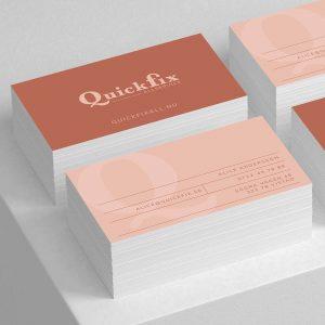 Visitkort, design och tryck på framsida och baksida i olika högar